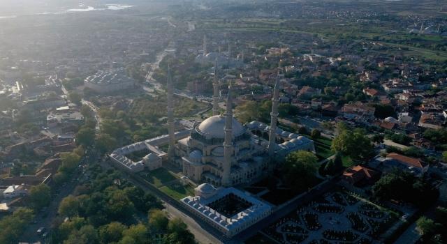 Selimiye Camisi'nin görüntüsünü engelleyen cami civarındaki yapılar kaldırılacak