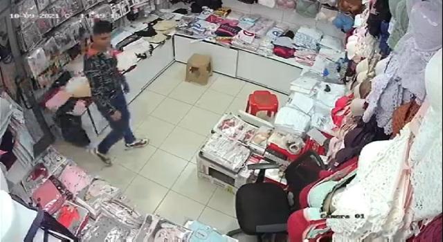 Konfeksiyon mağazasından hırsızlık kamerada