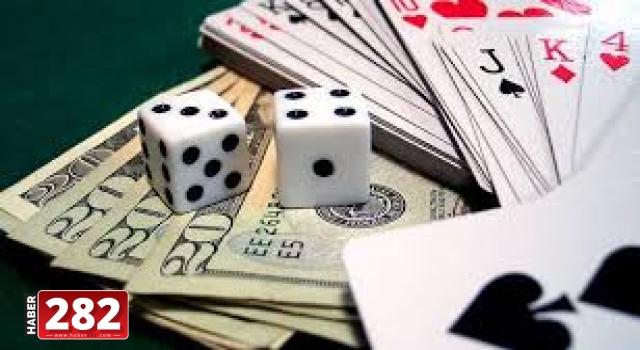 Bağ evinde kumar oynayan 16 kişiye yaklaşık 70 bin lira ceza uygulandı