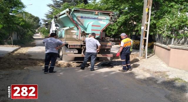 Marmaraereğlisi Belediyesi 'bozuk yol kalmayacak' sloganı ile çıktığı yolda hız kesmeden devam ediyor.