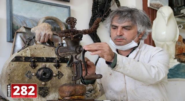 Çevre bilinci için atık metalleri hayvan heykellerine dönüştürüyor