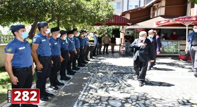 Tekirdağ Valisi Yıldırım güvenlik güçleriyle bayramlaştı