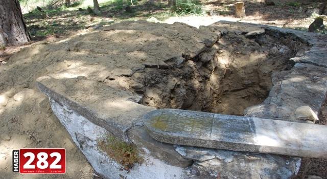 Tekirdağ'da mezarlıkta define arandığı iddiası