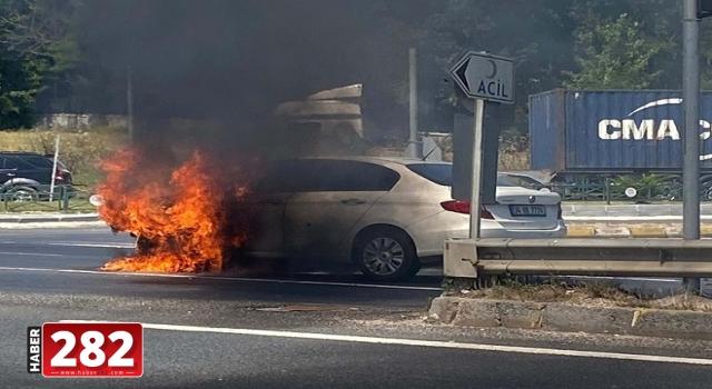 Tekirdağ'da seyir halindeki otomobil yandı