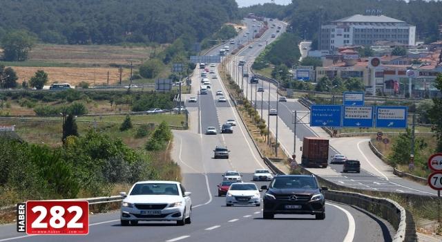 Yollarda bayram trafiği yoğunluğu