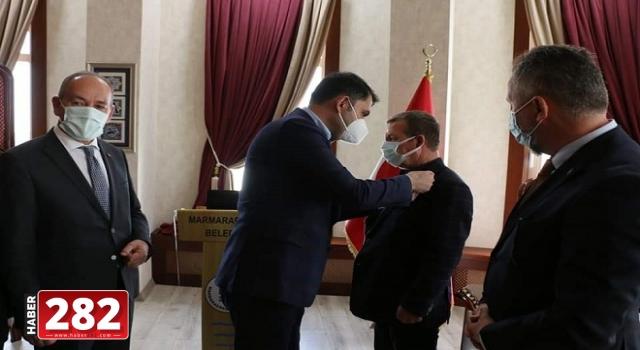 CHP'den istifa eden meclis üyesi AK Parti'ye geçti Ani Geçiş CHP'de Şok Etkisi Yarattı