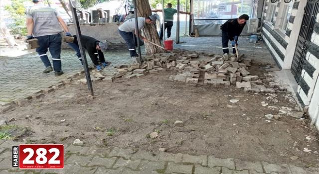 Ergene'de Bozulan Parke Taş Sokaklarda Bakım Çalışmaları Sürüyor