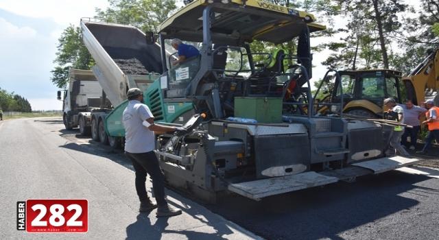 Büyükşehir Belediyesi Yol Yapım ve Onarım Çalışmalarına Devam Ediyor