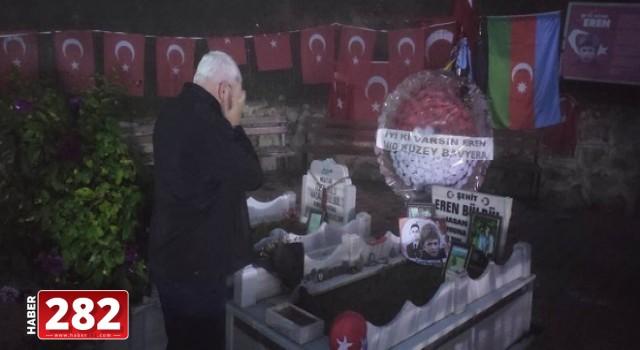 Başkan Yüksel Mezarı Başında Şehit Eren Bülbül'ü Andı