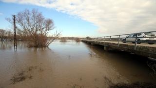 Kırklareli'nde yer yer taşkın yapan Ergene Nehri'nin debisi düşmeye başladı