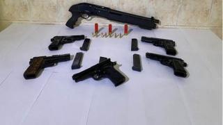 Tekirdağ'da bir otomobilde 5 tabanca ve tüfek ele geçirildi