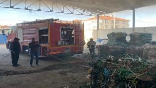 Kırklareli'nde geri dönüşüm tesisinde çıkan yangın söndürüldü
