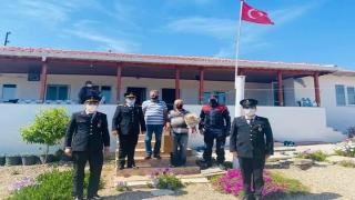 Enez'de güvenlik güçleri gazileri ziyaret etti
