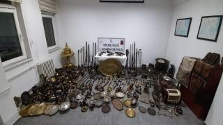 Kırklareli'nde bir işyerinin bodrumunda 241 parça tarihi eser ele geçirildi