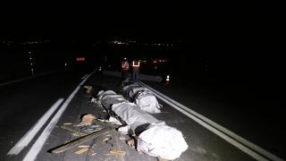 Edirne'de tırdan dökülen alüminyum çubuklar sınır kapısına giden yolda trafiği aksattı