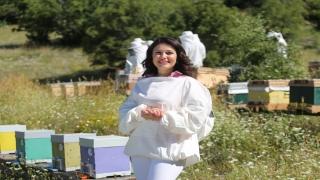 """Uzmanlardan, """"yaz aylarında görülen enfeksiyonlara karşı Anadolu propolisi tüketin"""" önerisi"""