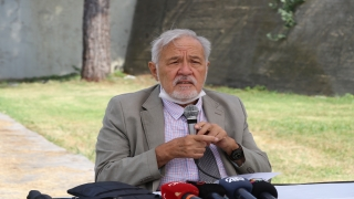 """Prof. Dr. İlber Ortaylı """"Roman Dili ve Kültürü Çalıştayı""""nda konuştu:"""