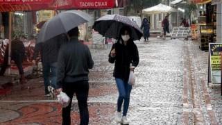 Edirne'de sağanak, ev ve iş yerlerinde su baskınlarına neden oldu