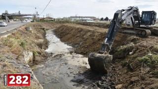 Büyükşehir Belediyesi Dere Islah Çalışmalarına Devam Ediyor