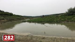 Malkara'da avlanma yasağına rağmen derede balık tutanlara para cezası uygulandı