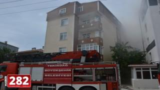 Tekirdağ'da bir evde çıkan yangında 5 kişi dumandan etkilendi
