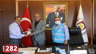 Başkan Ata, Türkiye Diyanet Vakfı'na Kurban Bağışında Bulundu
