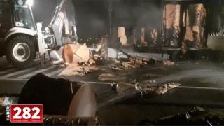 Tekirdağ'da kağıt yüklü tır yandı