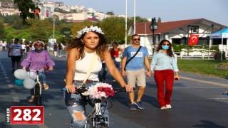 """Tekirdağ'da """"Süslü Kadınlar Bisiklet Turu"""" düzenlendi"""